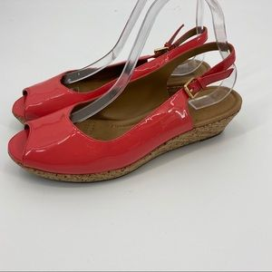 Clarks patent leather wedge sandal in melon sz9.5